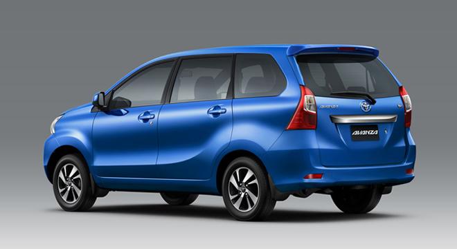 Gamabr bagian belakang mobil Toyota Avanza berwarna biru