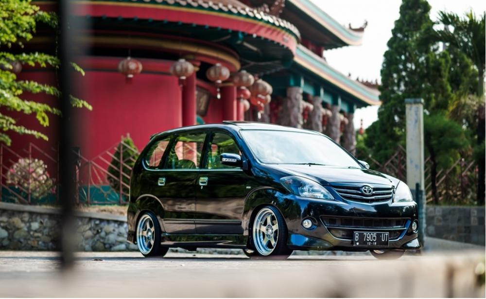 Gambar mobil Toyota Avanza setelah modifikasi