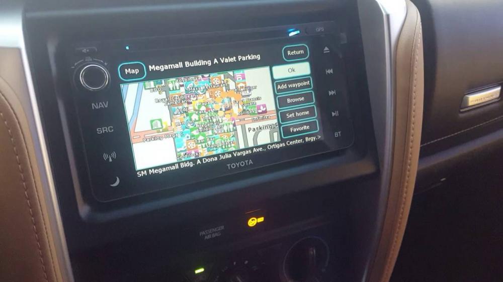 Gambar bagian dashboard mobil Toyota Fortuner
