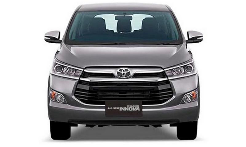 Gambar bagian depan mobil Toyota Kijang Innova