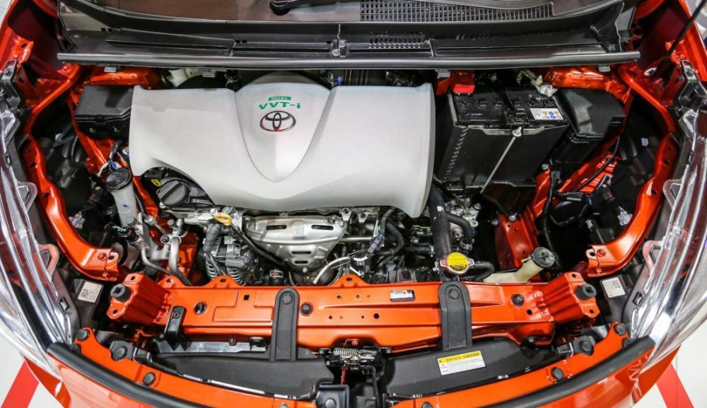 Gambar bagian mesin mobil Toyota Sienta