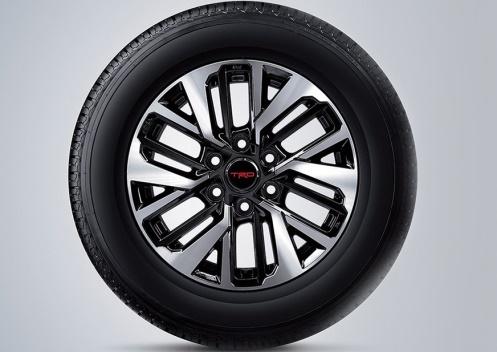 Gambar ban mobil Toyota Fortuner