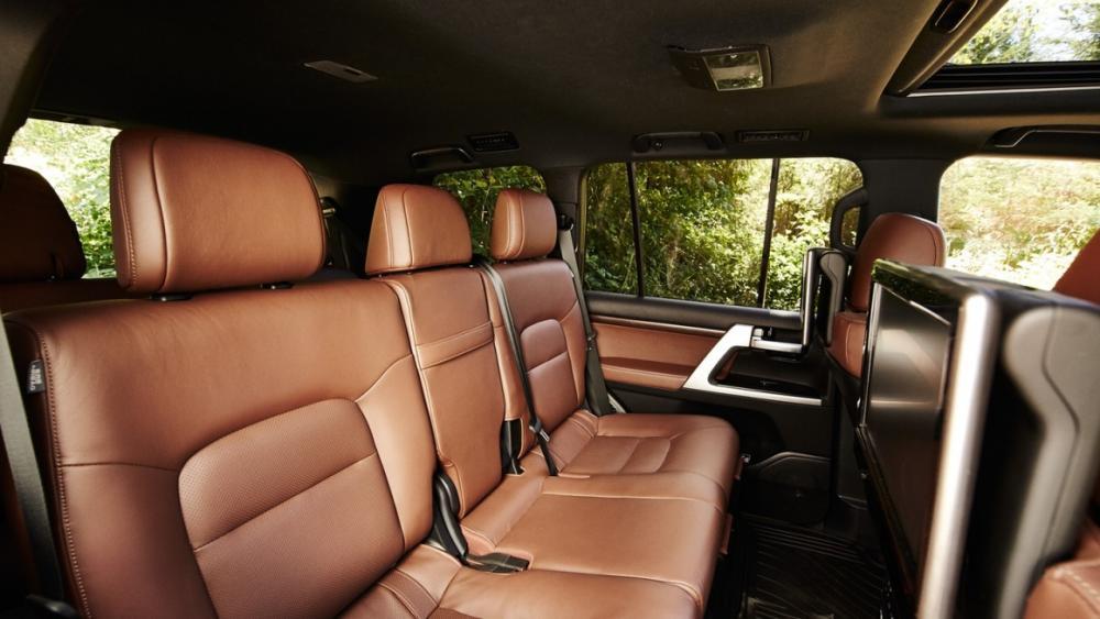 bagian kursi mobil Toyota Land Cruiser
