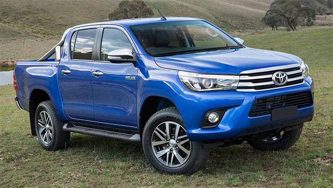 Gambar bagian samping mobil Toyota Hiulx berwarna biru