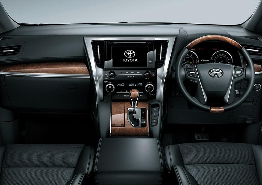 Suasana Interior Toyota Alphard Facelift 2018 mengusung beragam fitur menarik dan menggunakan tampilan mewah