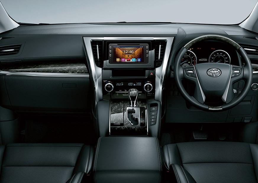 Interior Toyota New Vellfire 2018 mengusung fitur multifungsi yang mumpuni