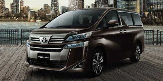 Keuntungan membeli Toyota New Vellfire 2018 dapat dirasakan dari desain eksteriornya yang lebih mewah dan elegan