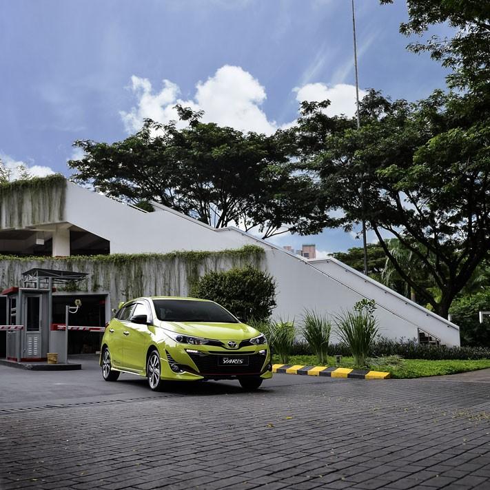 Keuntungan membeli Toyota Yaris 2018 sudah dibekali teknologi pengereman lengkap yakni Anti-lock Braking System (ABS), Electronic Brakeforce Distribution (EBD) dan Brake Assist (BA)
