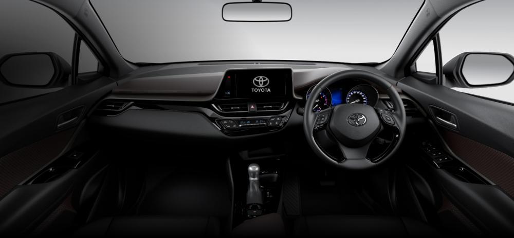 Interior Toyota C-HR 2018 dikemas dengan pesona tegas dan minimalis disertai beragam fitur unggul nan mumpuni