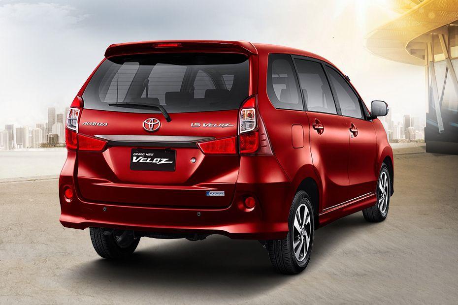 Tampilan Eksterior Toyota Avanza Veloz berwarna merah