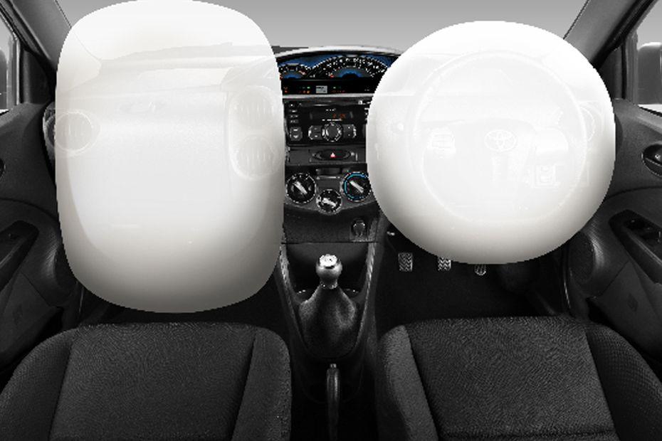 Fitur Dual SRS Airbags pada mobil Toyota Etios Valco 2018