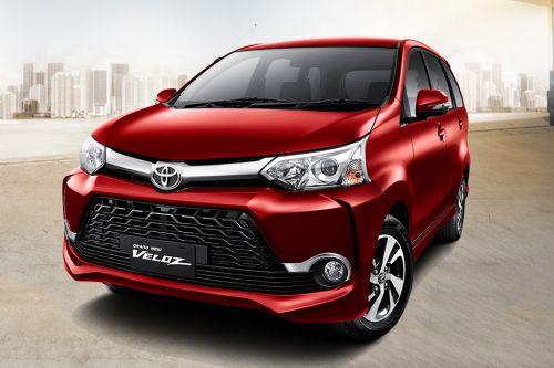 Tampilan Bumper depan mobil Toyota Avanza Veloz berwarna merah