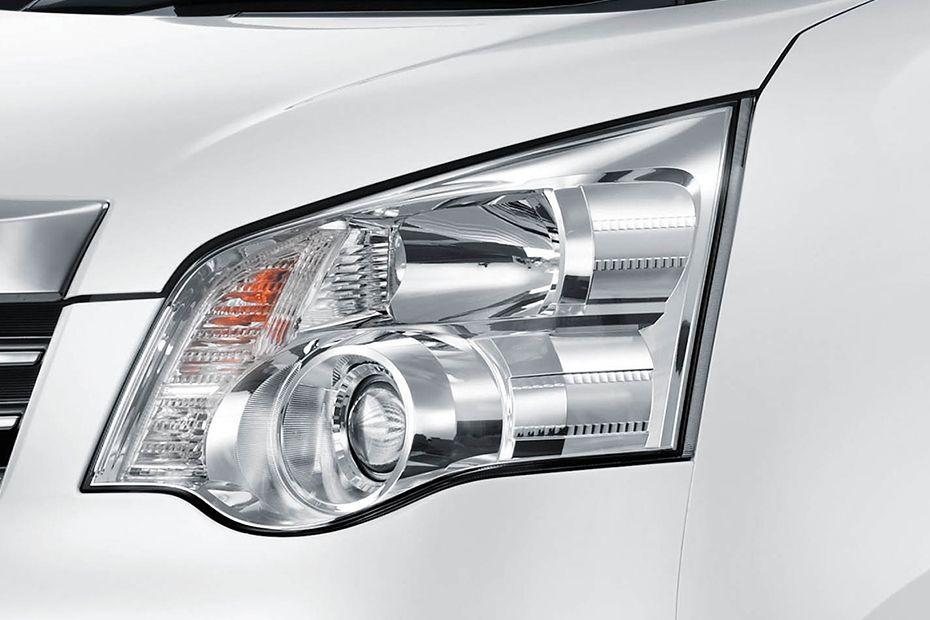 Gambar Lampu Utama di bagian depan mobil Toyota NAV1