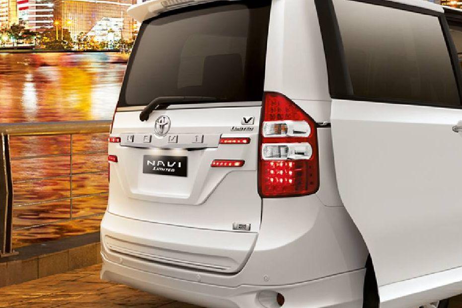 Toyota NAV1 Terdapat Emblem Limited