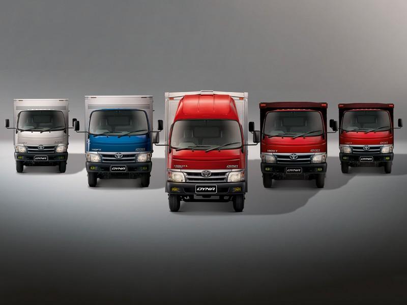 Gambar 5 mobil Toyota Dyna berwarna -warni Untuk Pengangkut Barang