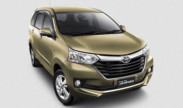 Gambar ini menunjukkan Mobil Grand New Toyota Avanza tampak depan dan juga samping kanan