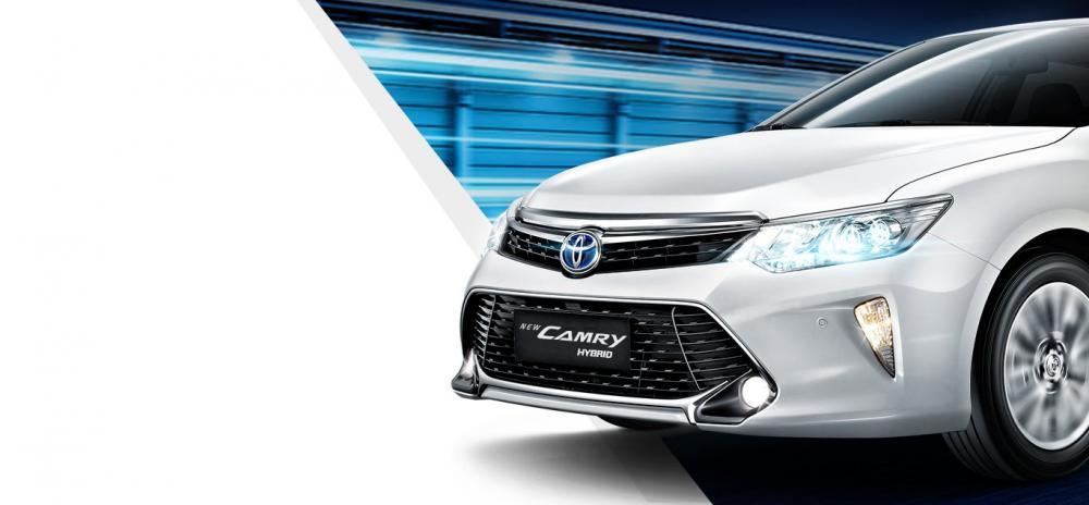 Toyota Camry Hybrid Dengan LED Projector Headlamp