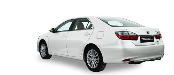 Toyota Camry Hybrid Punya Teknologi Mutakhir