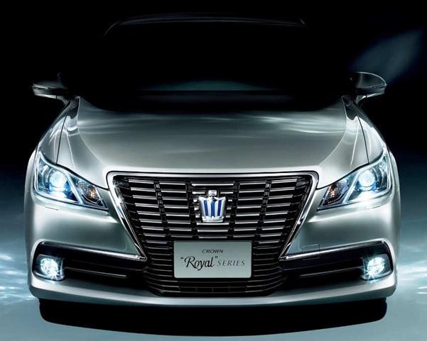 Toyota Crown Terbaru Dengan Bentuk Bumper Yang Mewah