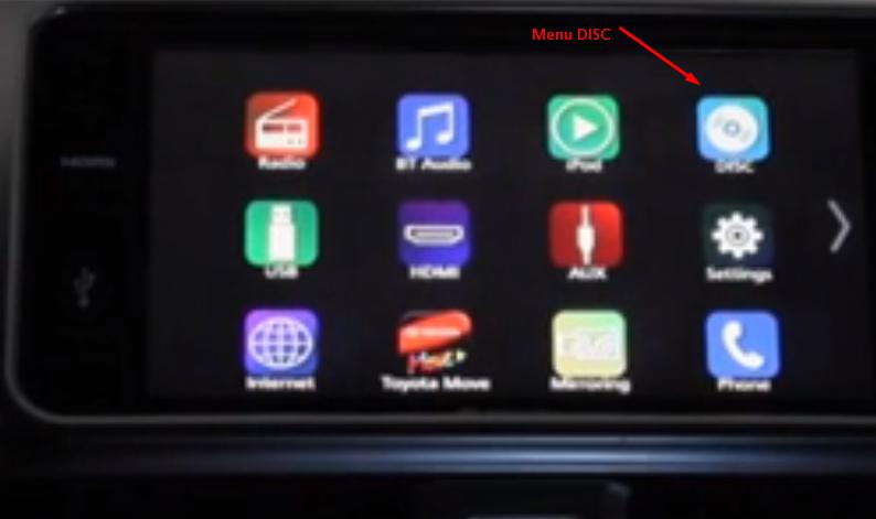 Gambar ini menunjukkan beberapa pilihan menu pada layar Toyota Yaris Heykers