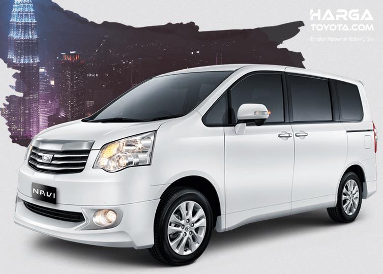 Gambar ini menunjukkan Toyota NAV1 warna putih tampak samping kiri