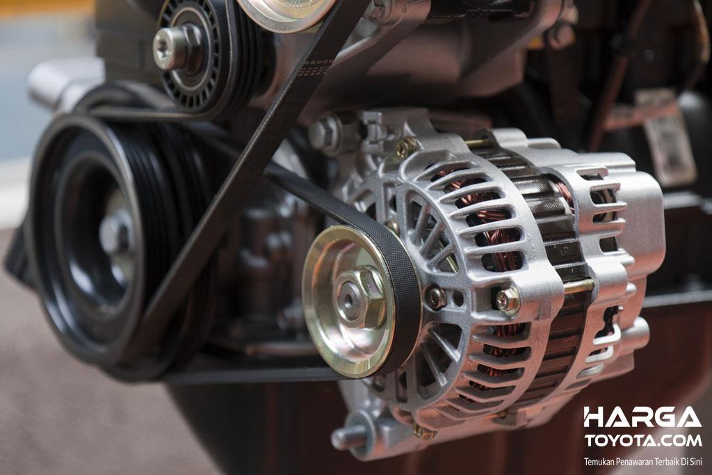 Foto komponen Alternator yang berfungsi mengubah energi gerak menjadi energi listrik pada mobil