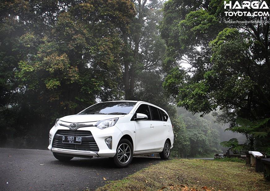 Eksterior Toyota Calya memiliki tampilan cukup modern dan elegan