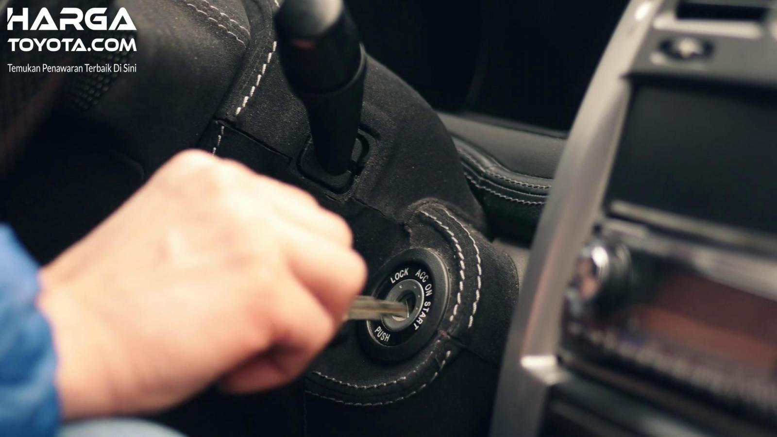 Menghidupkan Mesin Mobil juga ada caranya tersendiri supaya lebih irit bahan bakar