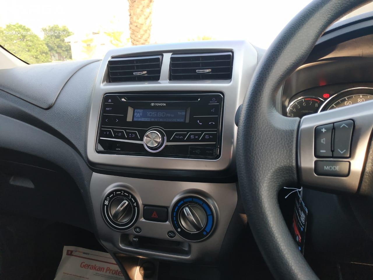 Tampak tombol audio di setir Toyota Agya TRD S AT