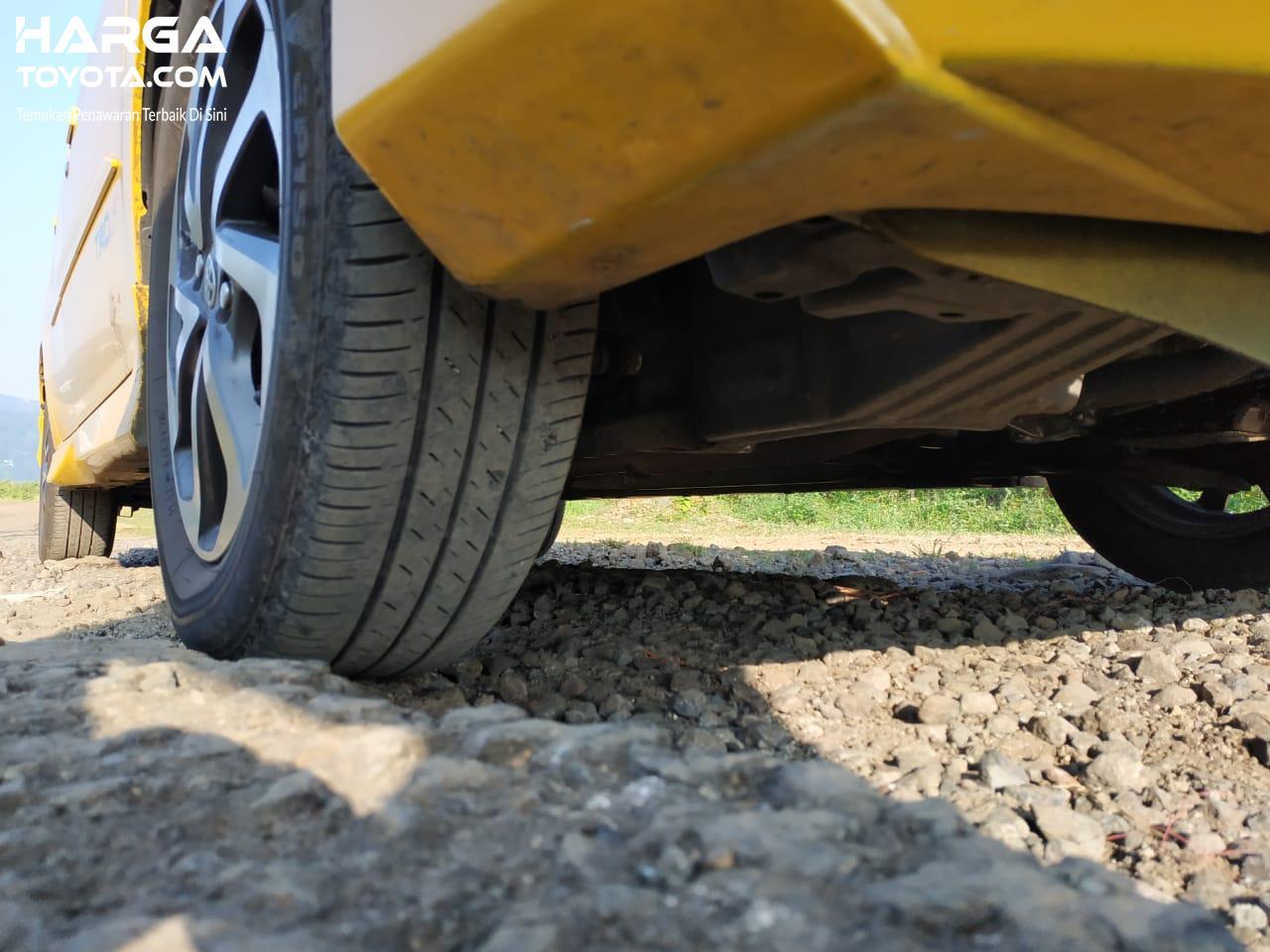 Jarak Terendah Ke Tanah Mobil Toyota Agya TRD S AT