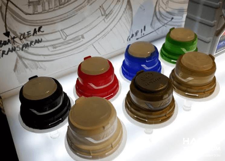 Gambar ini menunjukkan tutup botol TMO dengan beragam warna
