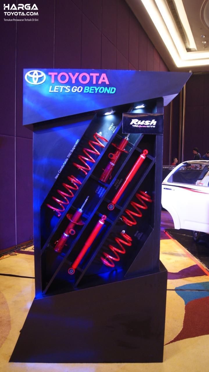 Gambar menunjukkan Sistem suspensi Rush TRD Sportivo Ultimo