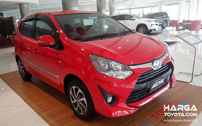 mobil baru Toyota New Agya berwarna merah