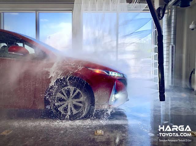 Foto mencuci mobil secara otomatis
