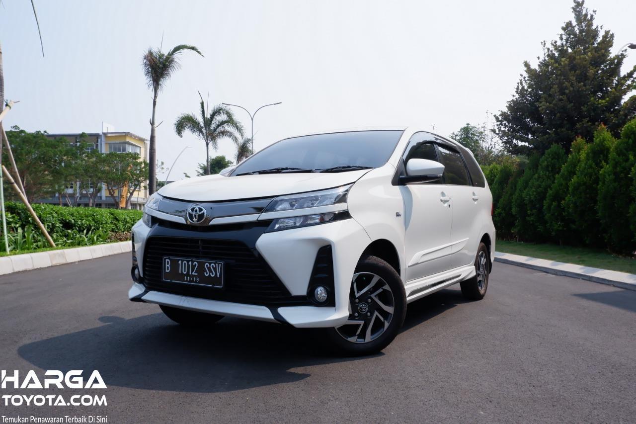 Gambar menunjukkan mobil Toyota Avanza Veloz 1.5 AT 2019