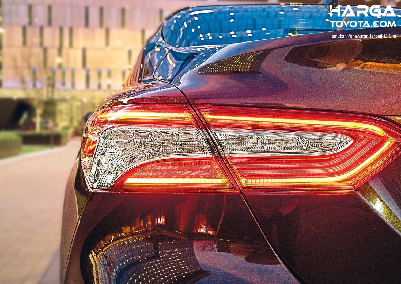 Foto lampu sein Toyota Camry 2020