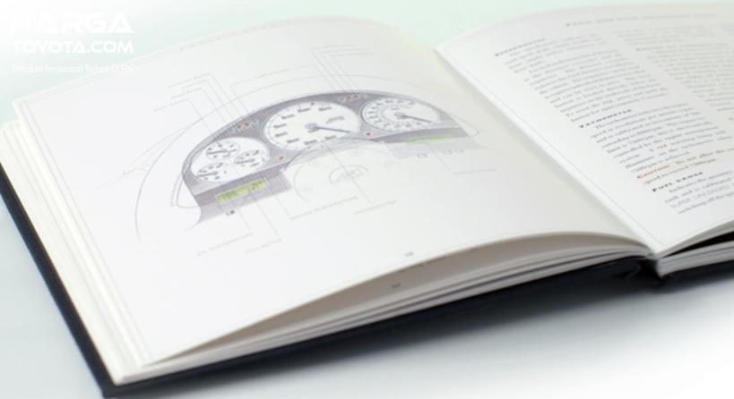 Gambar ini menunjukkan salah satu isi buku manual kendaraan