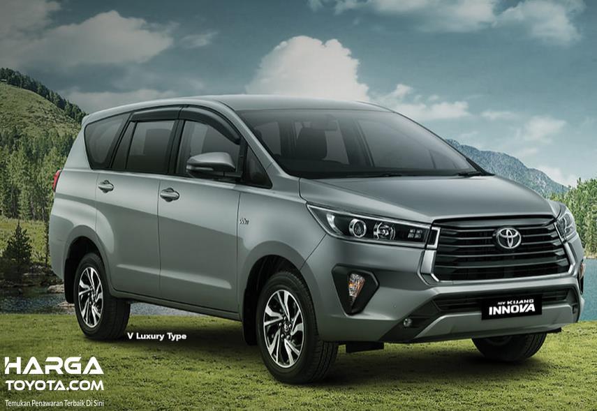 Gambar ini menunjukkan bagian depan New Toyota Kijang Innova 2020
