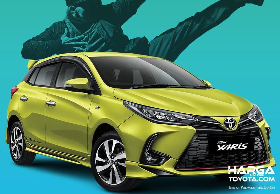 Gambar ini menunjukkan mobil Toyota Yaris warna kuning