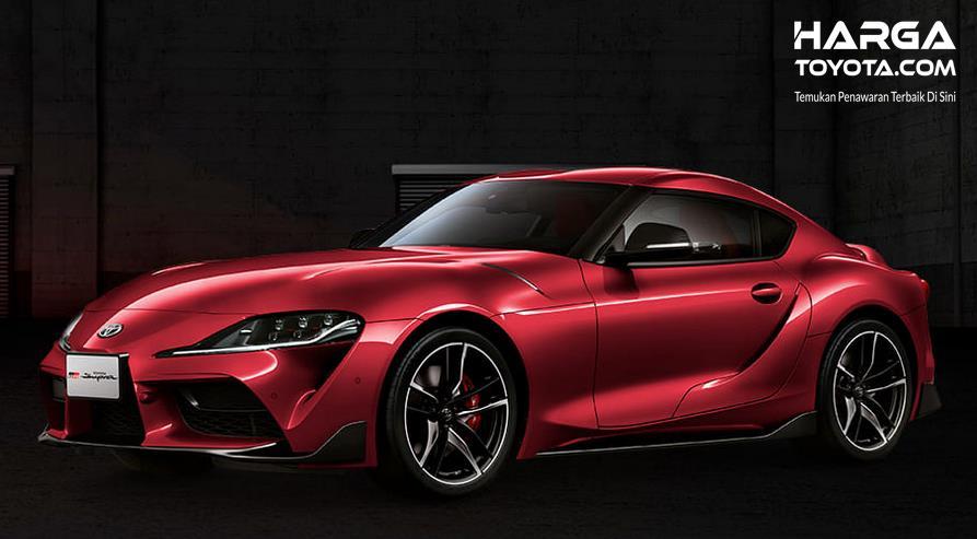 Gambar ini menunjukkan mobil Mobil Toyota GR Supra tampak bagian samping