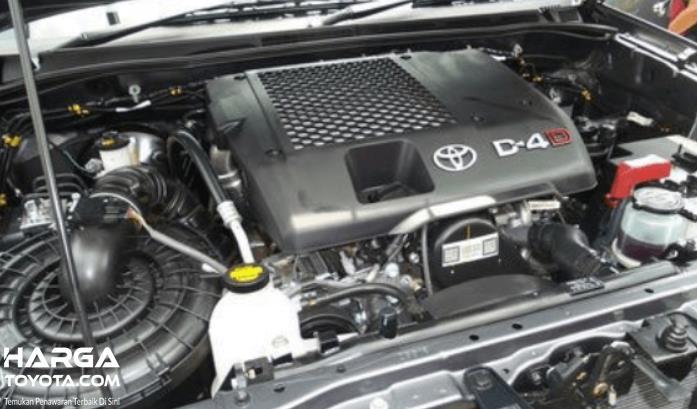 Gambar ini menunjukkan mesin diesel mobil Toyota