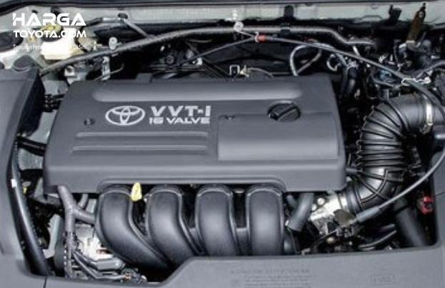 Gambar ini menunjukkan mesin mobil Toyota 16 Valve