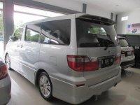 2004 Toyota Alphard