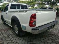 Toyota Hilux MT 2015 Putih