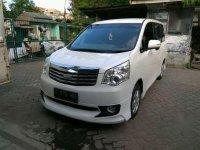 Toyota NAV1 2.0 G Matic Th 2013
