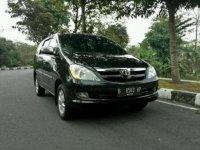 Dijual Mobil Toyota Kijang Innova  V Luxury Tahun 2005 Matic Terawat Istimewa