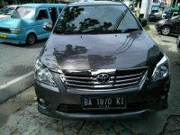 Toyota Innova V Luxury 2011