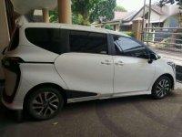Toyota Sienta Q 1,5 Warna Putih Bandung