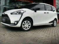 Toyota Sienta 2017 E matic Over kredit murah plat B