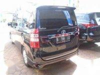 Toyota Nav1 V Lux AT 2014